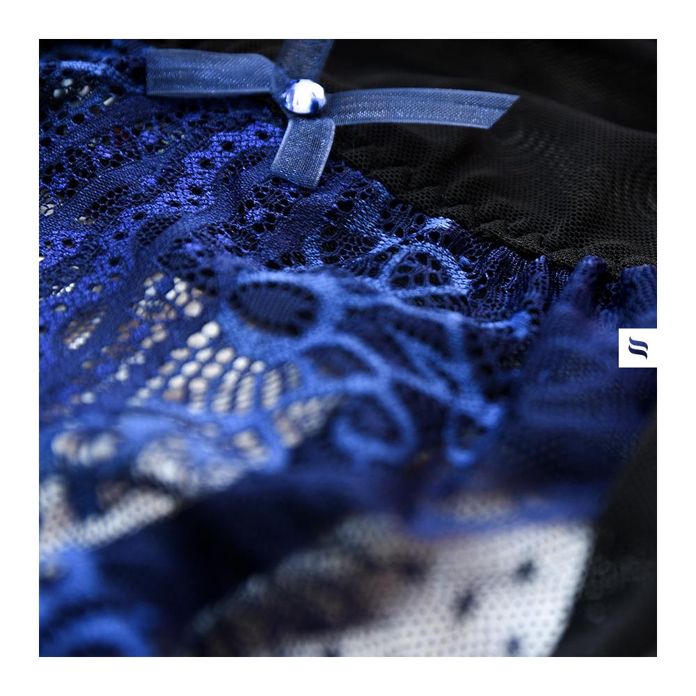 lingerie bleue obsessive